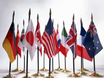 【夢占い】 行きたい国へ留学する夢 留学生と話す本当の夢の意味とは